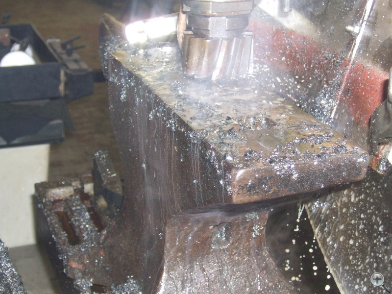 Cincinnati Milacron Horizontal Milling Machine resurfacing hardened steel