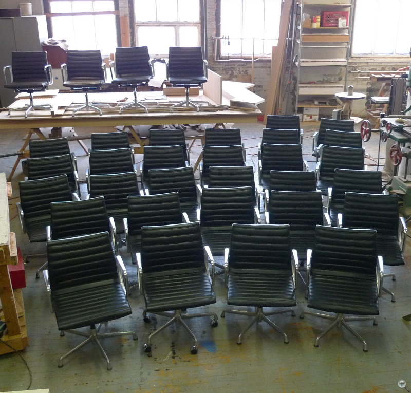 Eames Aluminum Group Sling Chairs Reupholstery in Black leather