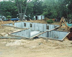 POURED REINFORCED CONCRETE HOUSE FOUNDATION