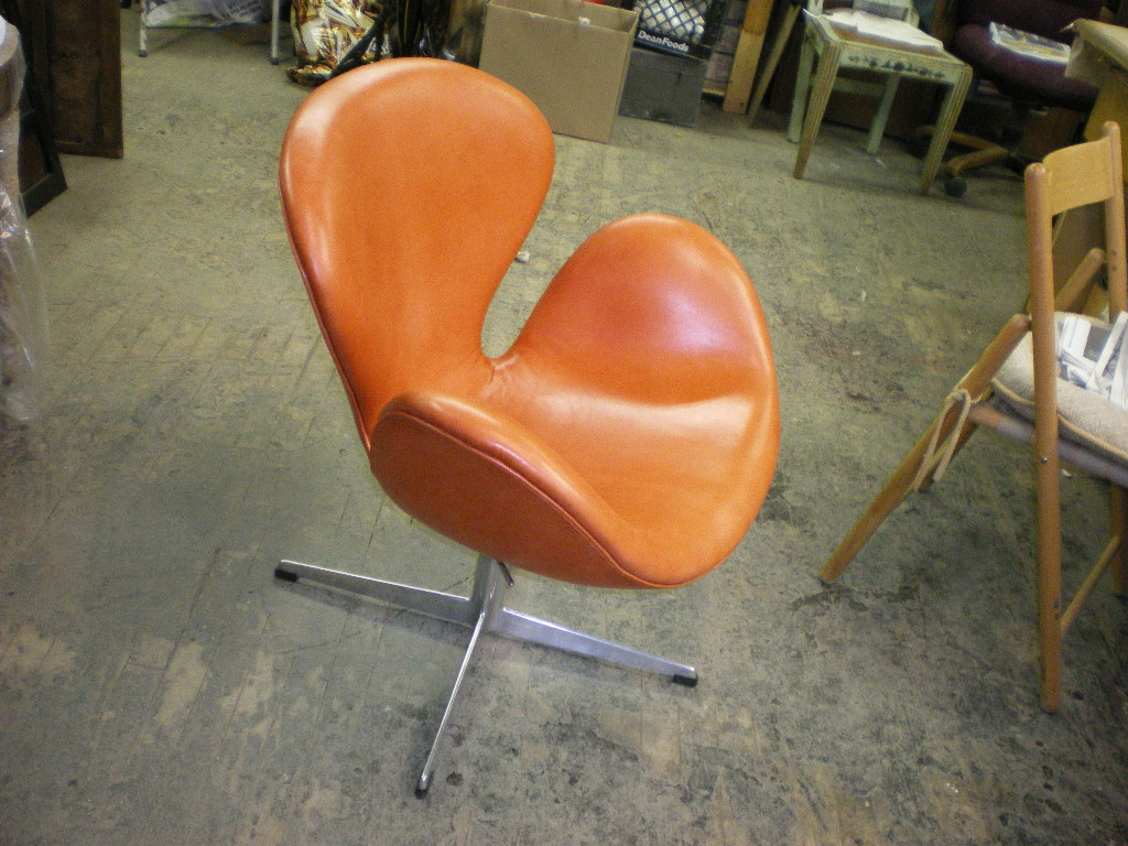 Eero Aarnio Swan Chair AFTER